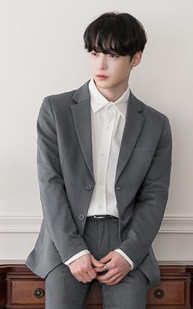 Basic Suit Jacket without wrinkles