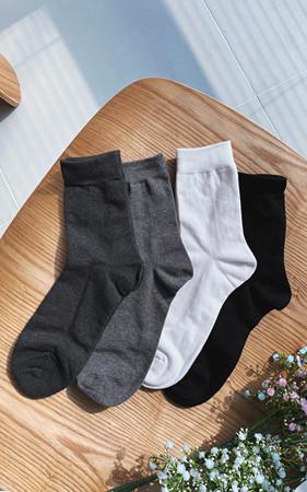 Color plain socks <br> Minimum order quantity 2Piece